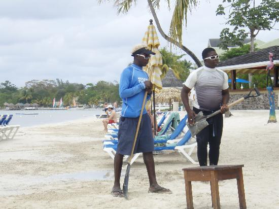 Sandals Negril Beach Resort & Spa: When the seas too rough to sail.....