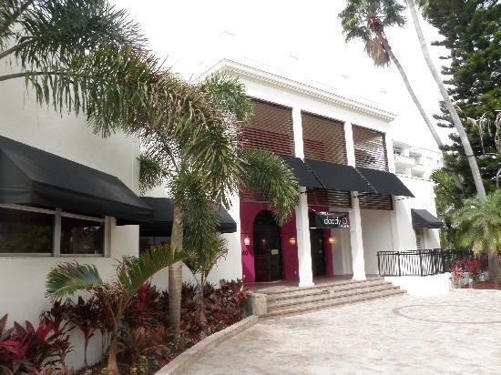 Daddy O Hotel: Main Entrance