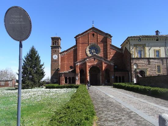 Palazzo della Commenda: Abbazia di Chiaravalle della Colomba