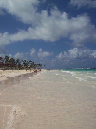 Bavaro Princess All Suites Resort, Spa & Casino: Beautiful beach