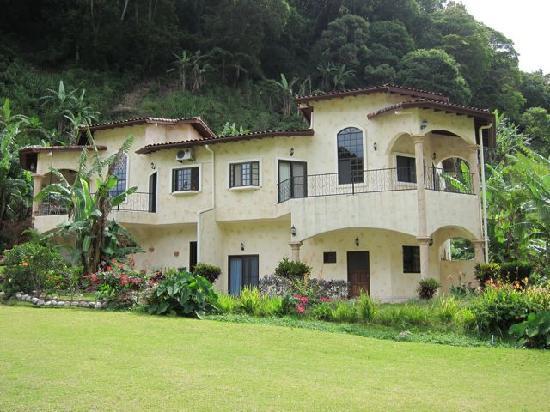 Valle Escondido Resort Golf & Spa: A typical house