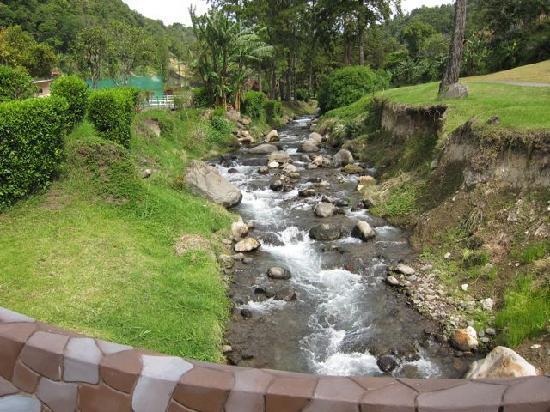 Valle Escondido Resort Golf & Spa: Waterway