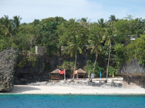 Padre Burgos Castle Resort : Private beach from the resort