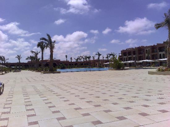 دجاز ؤرينتل رزورت: Pool View