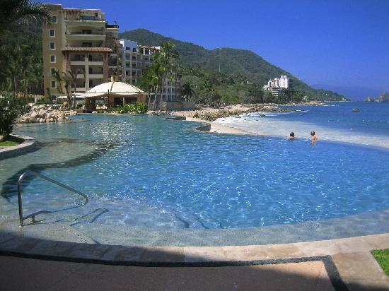 Garza Blanca Preserve, Resort & Spa: Pool area!