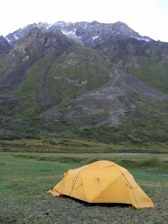 Le van fait aussi sa pause on est en kirghizie hein faut for La plus belle chambre