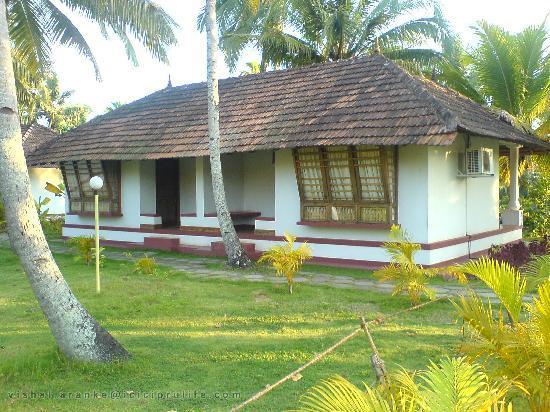 Coir Village Lake Resort: Cottage at the resort