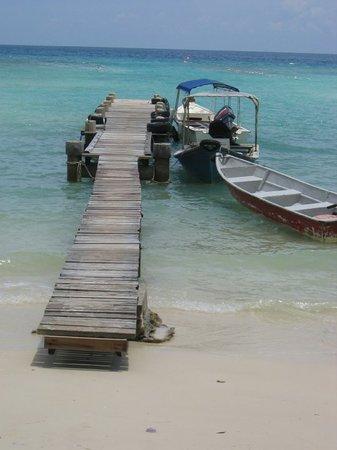 ‪‪Pulau Perhentian Besar‬, ماليزيا: Jetty at Arwana Resort‬