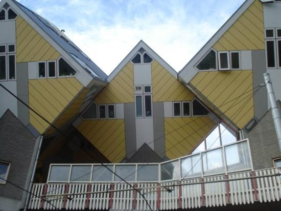 Foto de kijk kubus show cube rotterdam casas cubicas - Casas cube opiniones ...