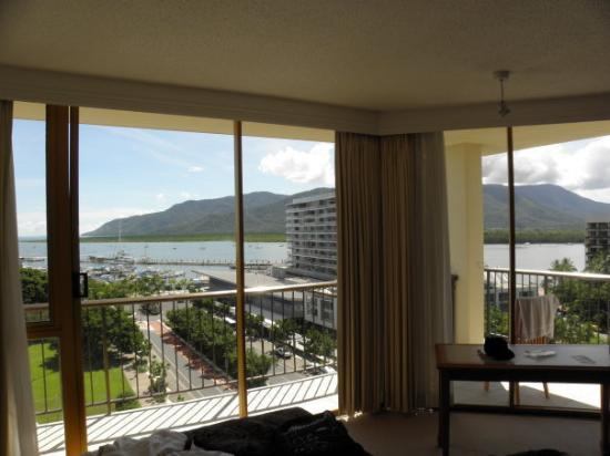 Pacific Hotel Cairns: Greeted with this kind of view every morning, why would I wanna be elsewhere?