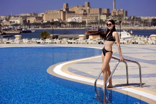 Excelsior Grand Hotel: Grand Hotel Excelsior Malta  - Beach