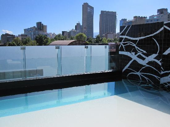 Hotel Habita: Swimming pool