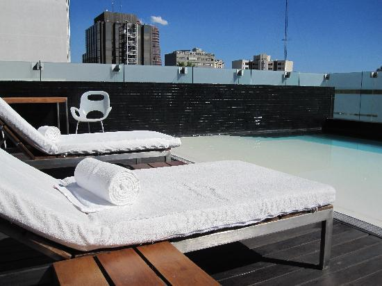 Hotel Habita: Swimming pool