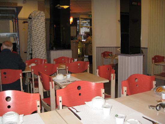 Hotel Helvetia : The small breakfast room