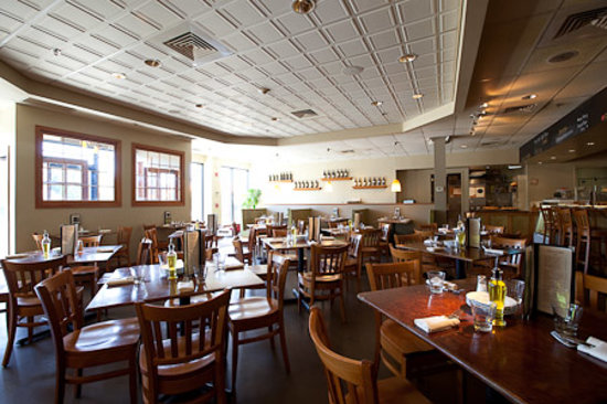 Bethel, CT: The dining room at Rizzuto's