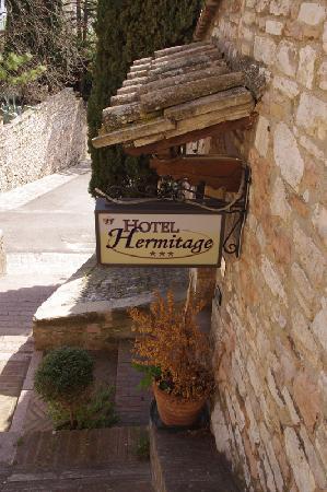 Hotel Hermitage: hotel entrance