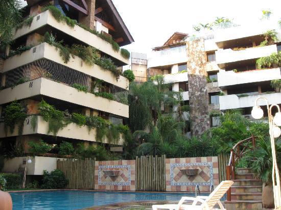 Toborochi Suites : Area de piscina