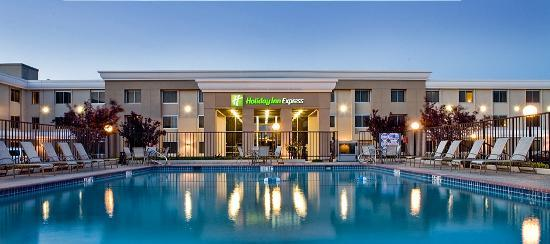 Holiday Inn Express San Francisco Airport South: Holiday Inn Express SFO South Exterior