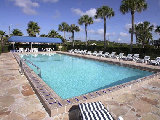 La Fiesta Ocean Inn & Suites: Heated Pool 60 feet long