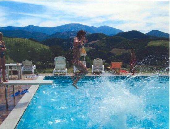 Agriturismo Ca' le Suore: La piscine et sa vue...