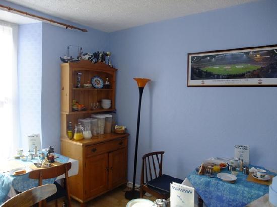 Whiteways Guest House: breakfast room2