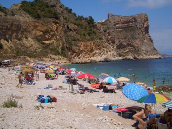 Benitachell, Spain: Empezamos a llevar nuestras cosas a la playa
