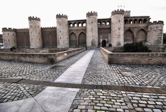 Palacio de la Aljaferia: Palacio Aljafería
