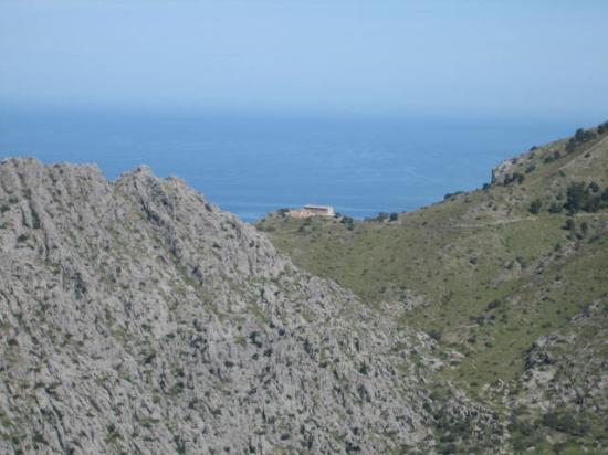 Alcudia, Spania: International Househunters - Spanish Villa Choice #3 -- Villa with a Mediterranean view.