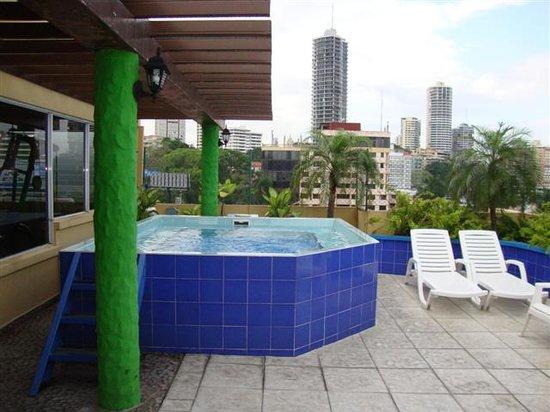 Hotel California: jacuzzi en la terraza