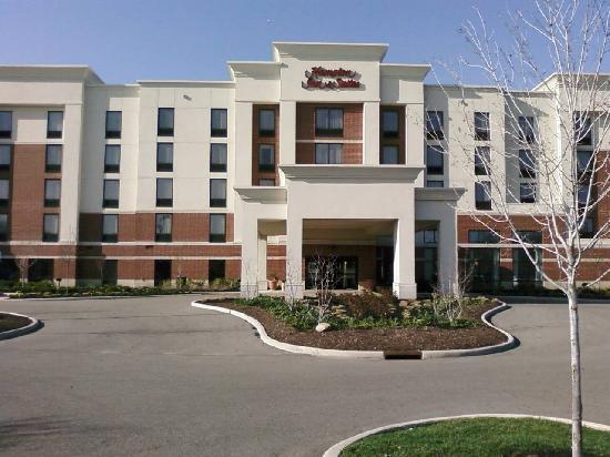 Hampton Inn & Suites Columbus-Easton Area: Front of Hotel