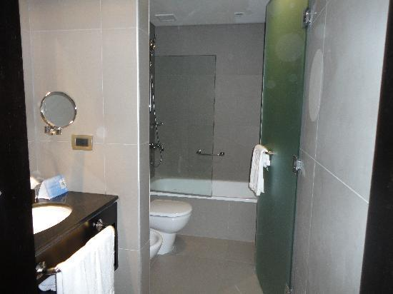 NH Buenos Aires Tango: baño