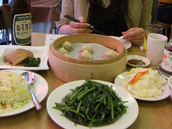 Din Tai Fung (Xinyi): 冷めてた小籠包