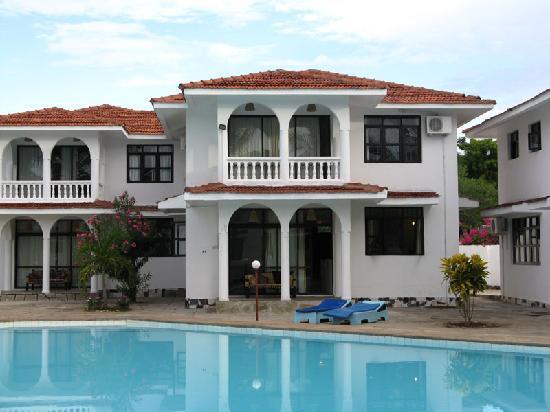 Bahari Dhow Beach Villas: Villa