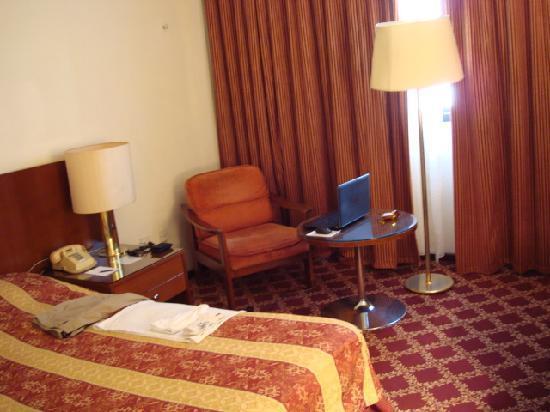 Al Nimran Hotel : Bed