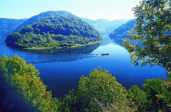 Correze, ฝรั่งเศส: Gabare dans les gorges de la Dordogne
