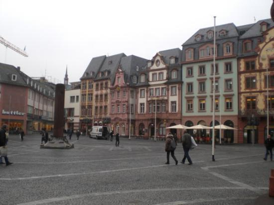 Mainz, Germany: piazza mark dom