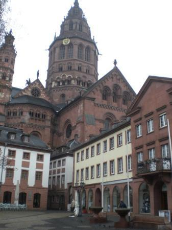 Mainz, Duitsland: un altra torre del duomo