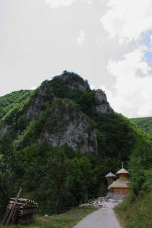 Nacionalni park Tara, Srbija: Solotuška stena i nova crkva pod njom