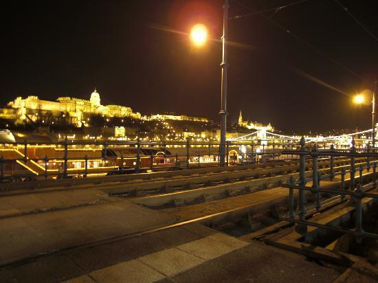 Danube River: ロマンチック!!