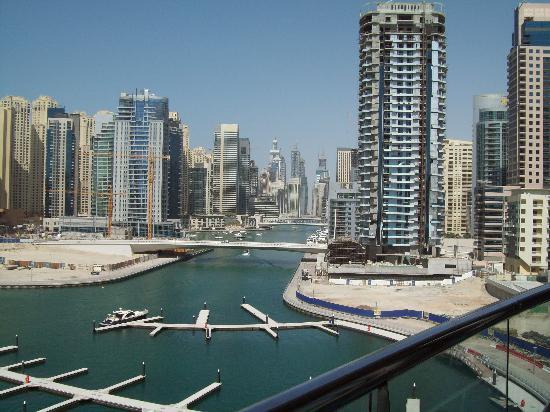 Lotus Hotel Apartments & Spa, Dubai Marina : Balcony View 1
