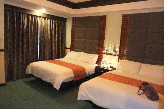 Westown Hotel Large Bedroom