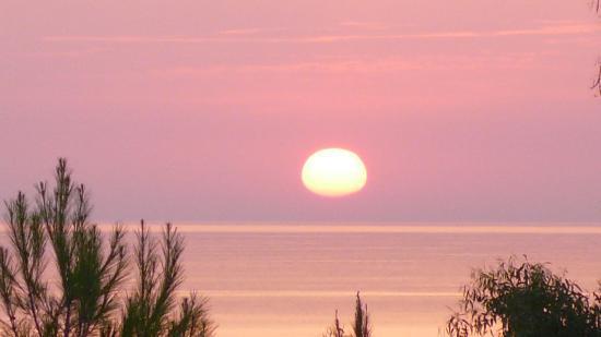 Costa Tiziana Hotel Resort: Il tramonto visto dalla mia camera