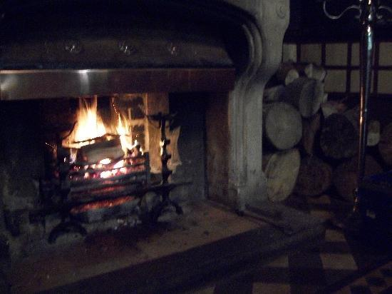 Mitton Hall: Fire in Lounge