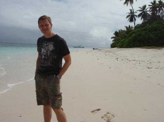 Desroches Island Resort: Great beach right by our Villa