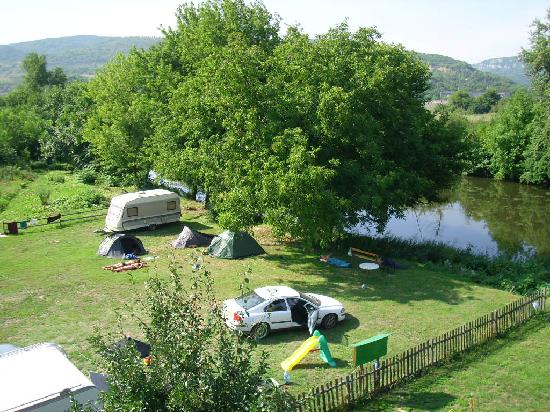 Trinity Rocks Farm : the campsite