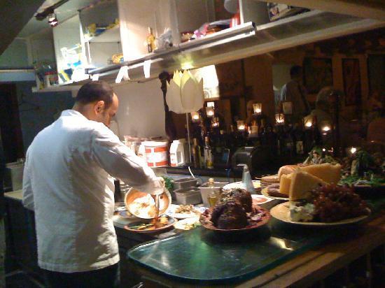 Il Tesoro : Chef AJ Black in open kitchen