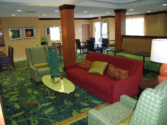 Fairfield Inn & Suites by Marriott Naples: Breakfast area