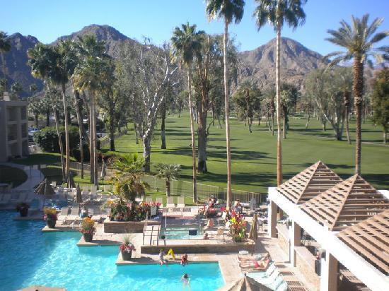 Indian Wells Resort Hotel: The view from our room (#325, third floor)