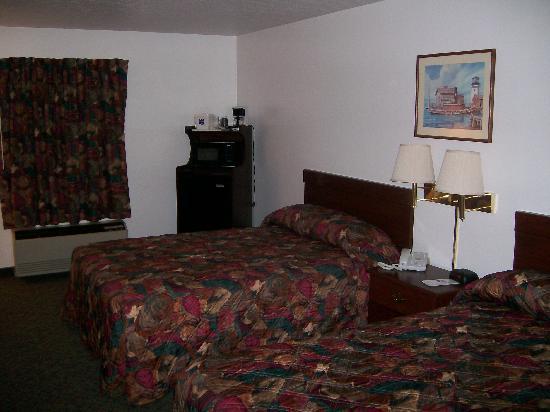 Knights Inn Sandusky OH : Inside Double Bed Room