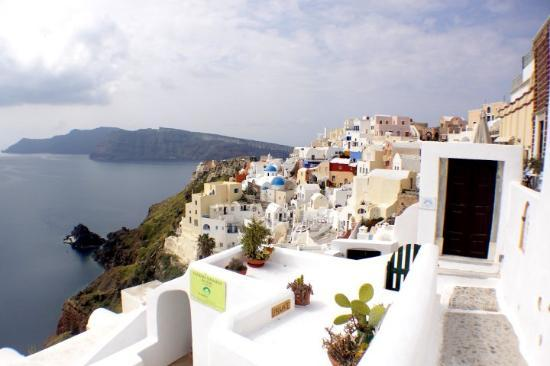 Oia, Griekenland: The sky is not blue enough... would have been great if it was..